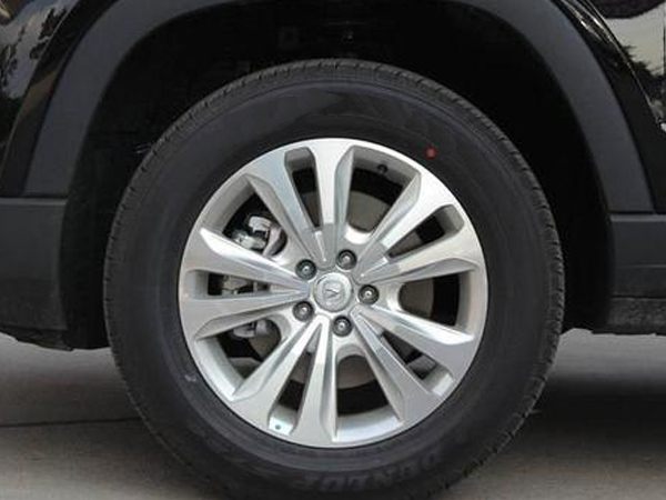 白炭黑在车轮中的作用